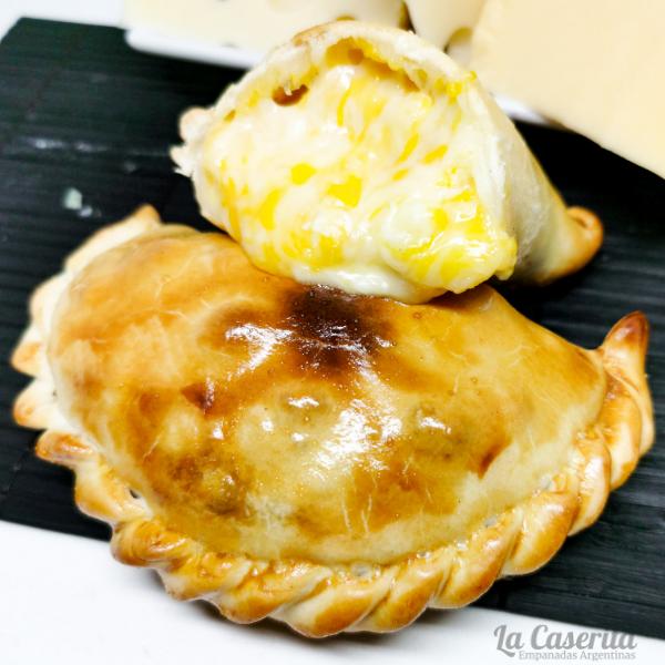 Empanada de cuatro quesos